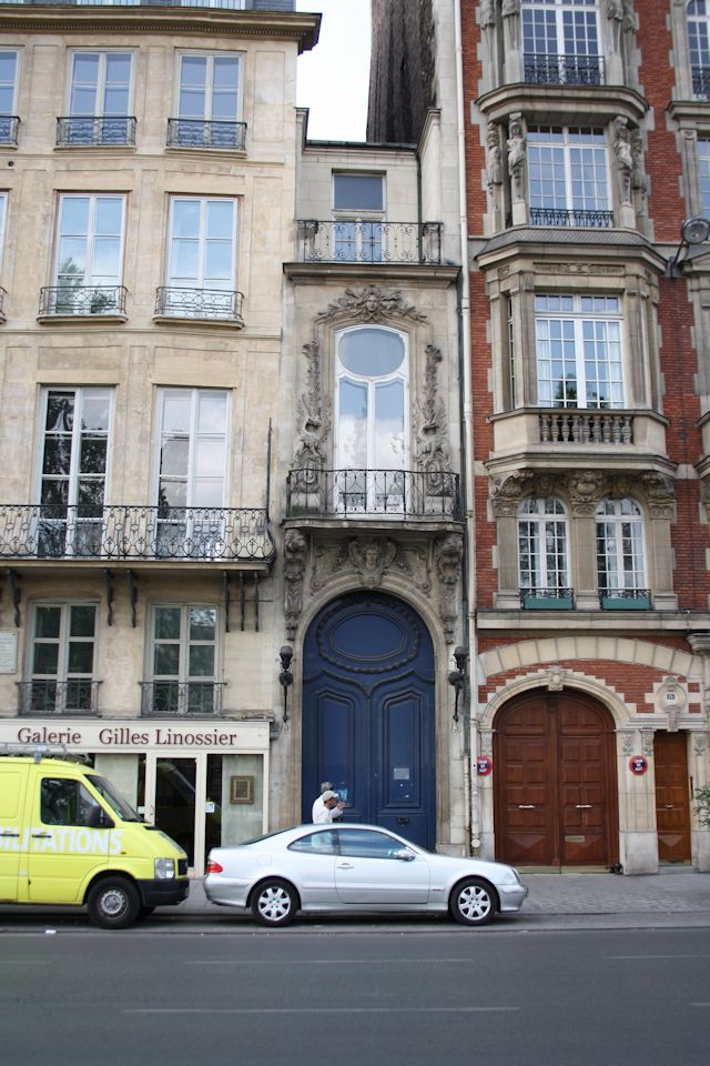The narrowest house in Paris
