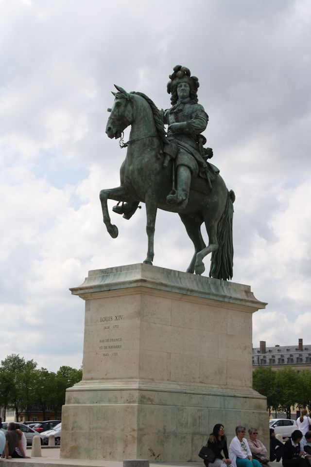 Statue of Louis XiV outside Versailles