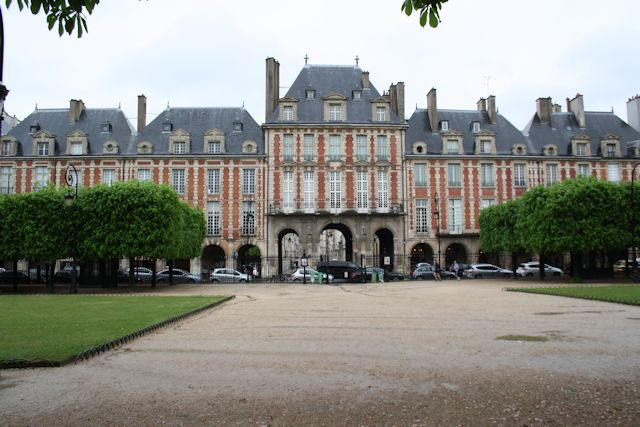 Buildings around Place des Vosges