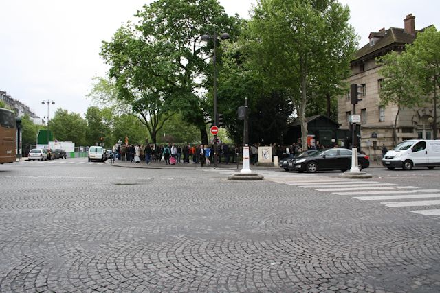 Head of the line to enter the catacombs