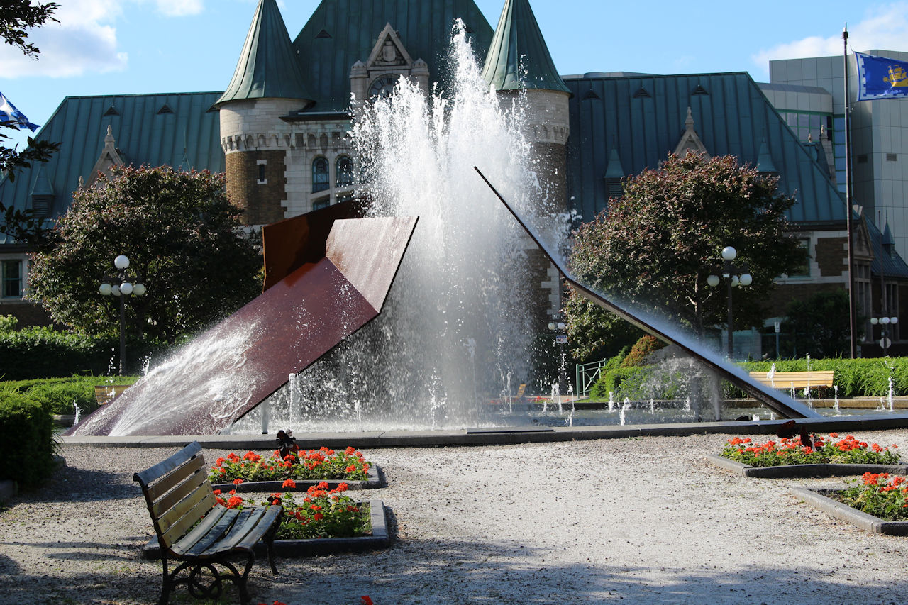 fountain-at-place-de-la-gare